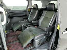 ゆったり座れるセカンドシート。ロングドライブが楽しくなります。