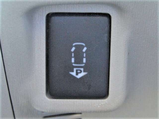 スイッチ類の作動確認もOKです。万が一の故障トラブルでもクローバーランド保証にご加入していただければ安心です。