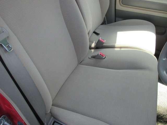 運転席シートもキレイな状態です♪
