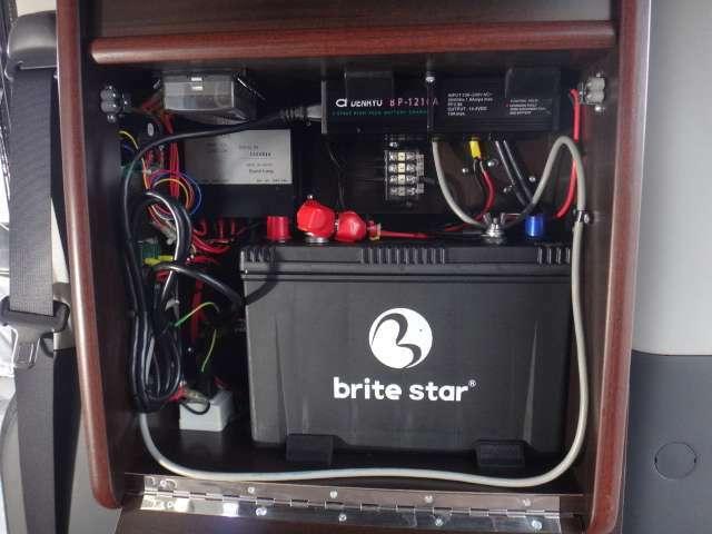 サブバッテリーは新品に交換済み♪105Ahと十分な充電・出漁容量を確保。