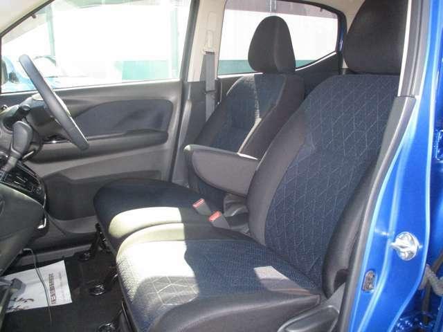 運転席&助手席シートヒーターも付いています