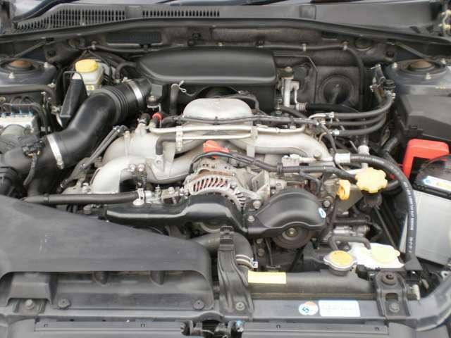 水平対向4気筒SOHC16バルブエンジン無鉛レギュラーガソリン仕様