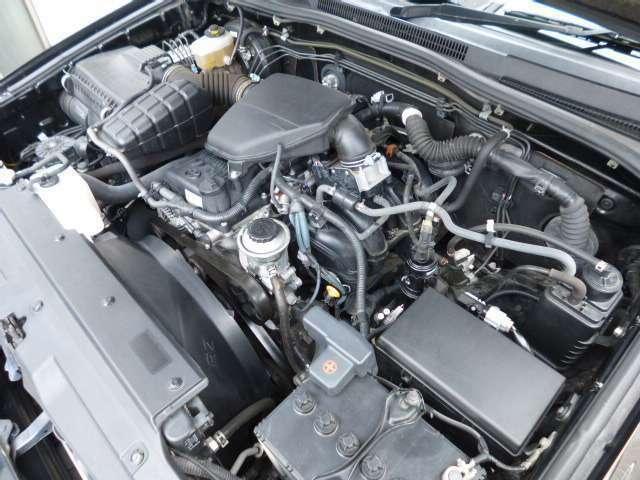 ☆サーフは走行距離が伸びて古くなっても値崩れが少ない車なのですが、それはこの丈夫なエンジンのおかげです!もちろん2700ccのタイミングチェーン式なのでベルト交換は不要です!