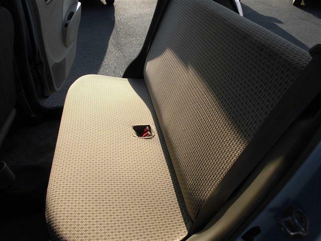 車内も年式以上に綺麗です。納車前にクリーニングをしてご納車させて頂きます。