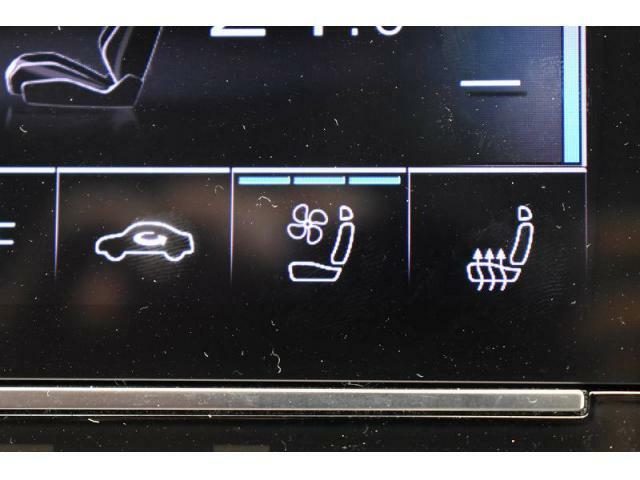 ●シートエアコン【夏場でも涼しく快適に乗車可能です!】