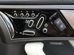 メモリー機能付き電動パワーシートですので運転中のシート調節も安全に行えます。微調整も可能ですのであなただけのドライビングポジションを実現します。