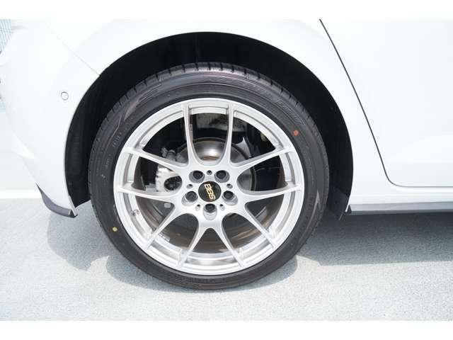 後輪215/45R17新品タイヤに新品BBSアルミです