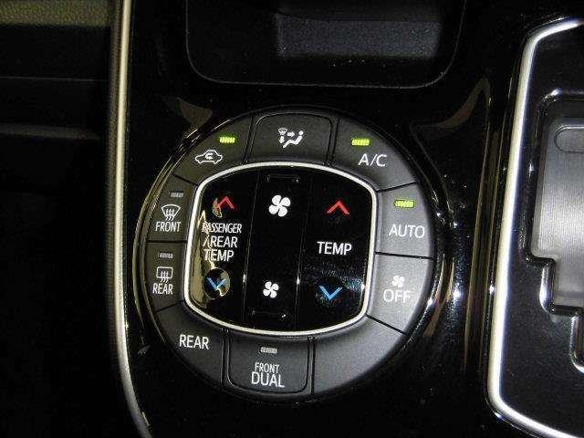 【オートエアコン】お好みの温度に設定して頂くと、車内の温度を自動調整♪快適にクルマの中を過ごして頂けます。