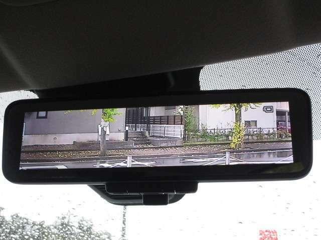 車両後方の視認性を高めて安全運転をサポートする、デジタルルームミラーです!
