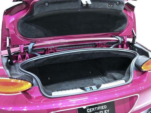 トランク容量は235Lです。