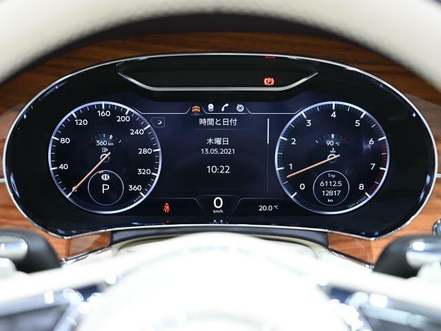 走行距離12817km。保証および車検は2022年10月まで残っています。