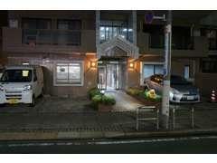在庫は横浜のガレージで保管のため、ご来店前にお電話ください。