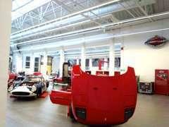 フェラーリやポルシェなどのグッズも各種取り揃えております!