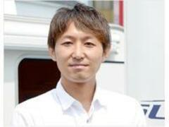 キャンピングカー専門店 ルートシックス代表の内田と申します。