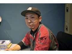 自動車2級整備士 笹川亮です。自動車からトラック、ショベルなど重整備を担当しております。