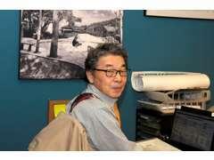 杉谷彰三です。お客様の車検、名義変更など登録を担当しております。