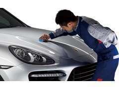 車を磨く事が好きな業務提携先カーサービス「ピカッと」くんに最後の仕上げをお願いしています。ご自宅へ出張洗車も行います。