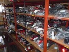 当社倉庫にも一万点以上のパーツを保有しております!!! 倉庫に在庫が無い場合は取り寄せることも可能です★