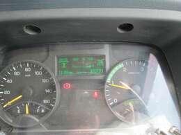 実走行16,231kmとなります。ディーゼルでこの走行距離ならまだまだ働いてくれます。