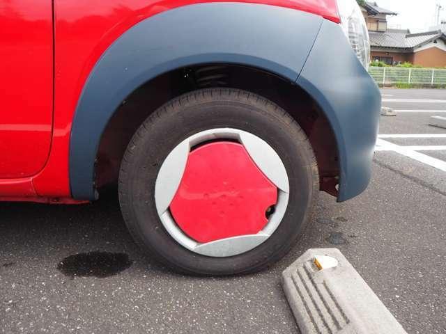タイヤはヨコハマタイヤのエコタイヤです。山も十分残っています。