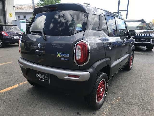 デュアルセンサーブレーキサポートや前後の誤発進抑制機能・車線逸脱警報機能など他にもいろいろな安全機能が付いた本格SUV!