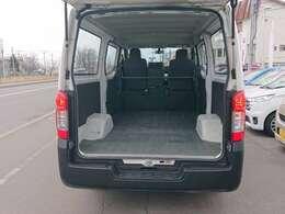 リヤシートの無い3人乗り仕様!最大限荷室スペースを活用できます!