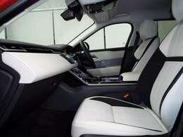 長時間の運転でも疲れにくいグレインレザーシート。10way可動式レザーシート(58,000円)も装備されており、高級感のある内装はシートの擦れ・痛みも少なくご満足いただけます。