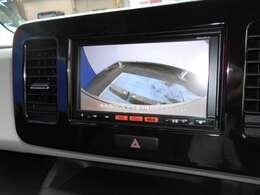 バックカメラも付いていますので車庫入れ時にとても便利ですよ。