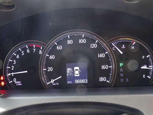 修復歴無し/実走行9万km台のお車で御座います。