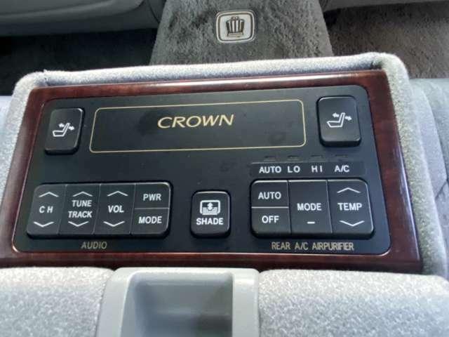 ★後席専用のパネルスイッチで快適ドライブ♪