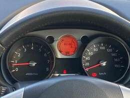 まだまだ走れます♪ 見やすいスピードメーターで快適かつ安全なドライブを☆