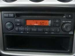 純正AM/FMチューナー付きCDプレーヤーです。