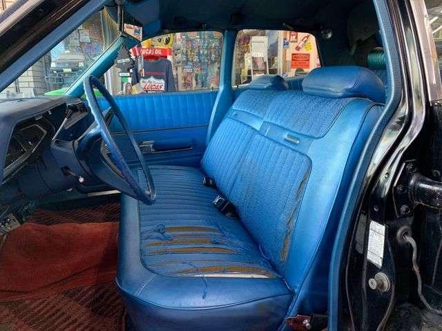 ブルーモッケトフロントシート!切れや破れが有りますが、、それがまたサバイバー個体の証です!