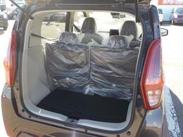 荷物も積みやすい後部スペースです。