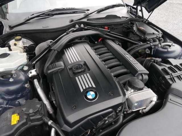 2500cc直列6気筒 自然吸気エンジン搭載モデルですので、BMWのシルキーシックスエンジンを思う存分ご堪能いただけます!