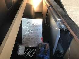 車いす移動車キットもベットサイド部分に収納されております。