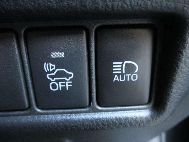 もしもの時に安心な、トヨタセーフティセンスが付いてます♪衝突軽減ブレーキ、レーンアシスト、オートマチックハイビームが付いてます♪