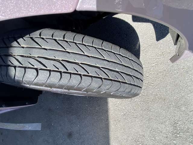 タイヤの溝が十分にあります☆