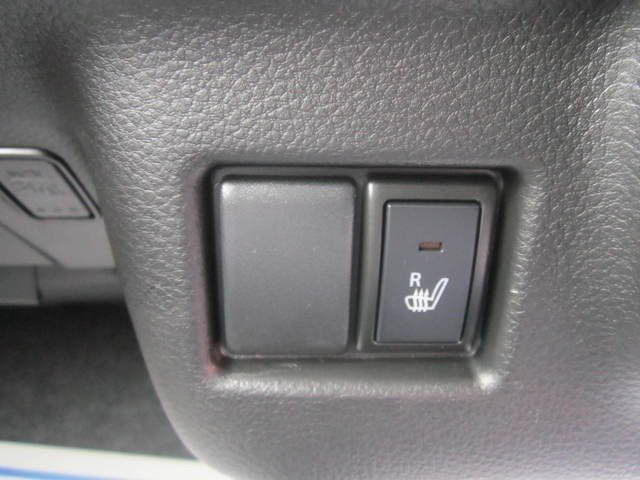 届出済未使用車に関しては、お引渡し後の点検 【 1.6.18.30ケ月点検】が無料となっております。新車の保証をそのまま引き継ぎますので安心してカーライフを楽しんで頂きます。