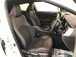 ホールド性に優れたシートは疲れにくく乗り心地が良いですよ(^^)