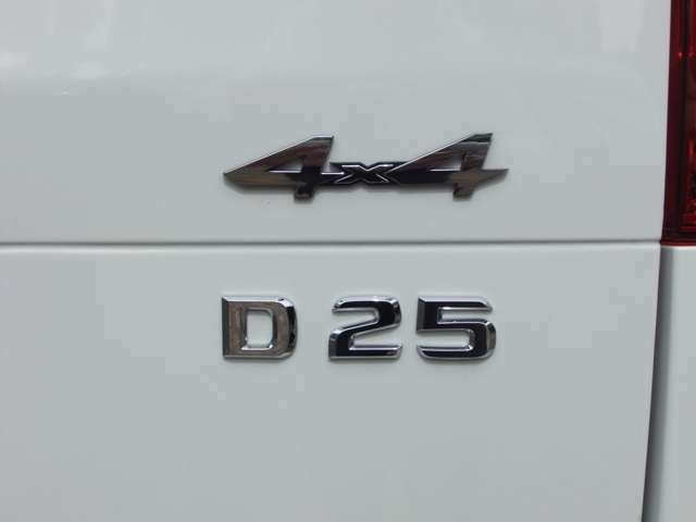 BRABUSD 4x4 D25 エンブレム