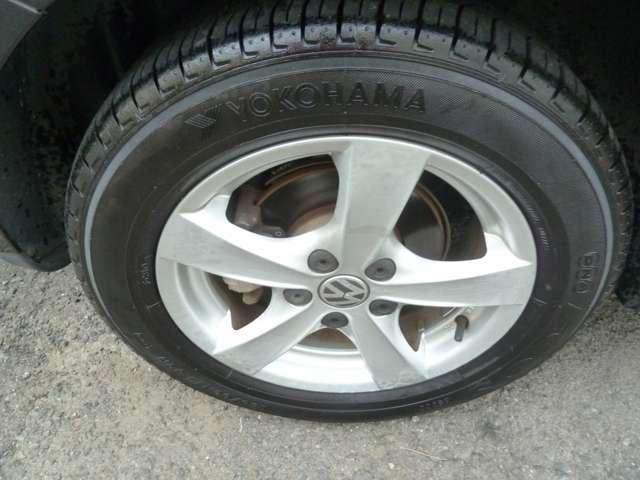 純正タイヤに態やの山も有ります。