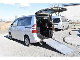 トヨタ ノア 2.0 X Lセレクション 4WD 車イス仕様車 スロープタイプ タイプ2