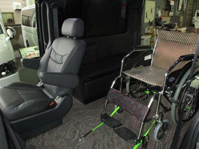 車椅子固定時シート配置イメージ。