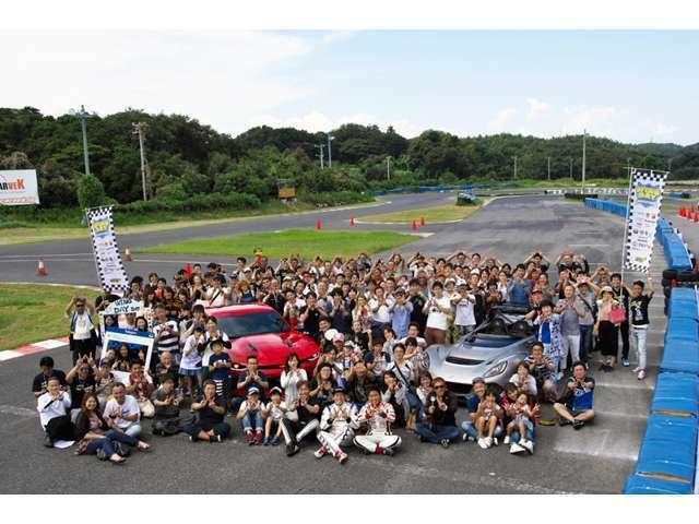 9/10(日)に開催されました、年に一度のBIGイベントであるWINGDAYでは美浜サーキットに総台数200台が集まり、趣味の車を通じて車好きな仲間が楽しんだ1日となりました。