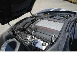 パワーと効率性を両立した6.2L V8エンジンを搭載したシボレーコルベット