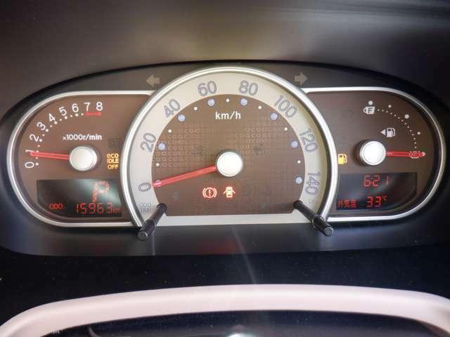 視認性のあるメーターパネル(^^♪ここ10年ほどで、LED等が普及してから、デザインや機能もすごく進歩しています♪距離、スピード、ガソリン残量、意外にも、ここは車の状態にもつながる大切な場所です☆☆☆