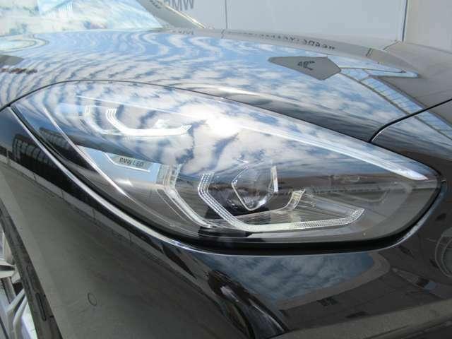 ◆LEDヘッドライト装備により雨天時や夜間の運転も安心して運転できます。◆