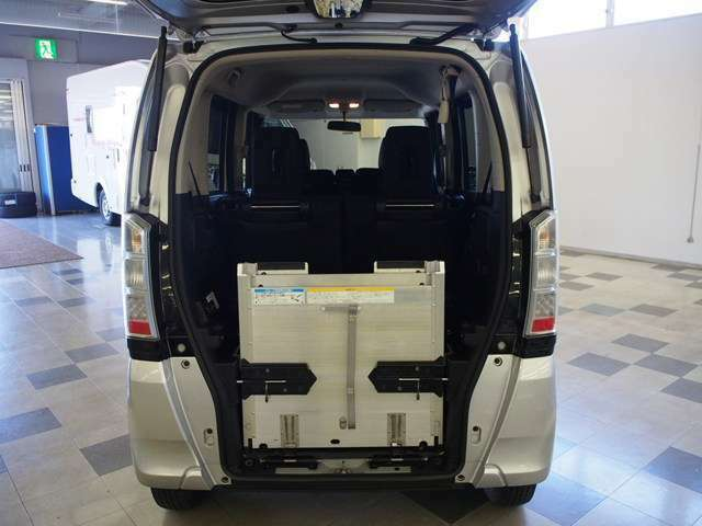フジカーズジャパンでは全国的にも珍しいお車や装備、程度を重視し全国より仕入れしております♪