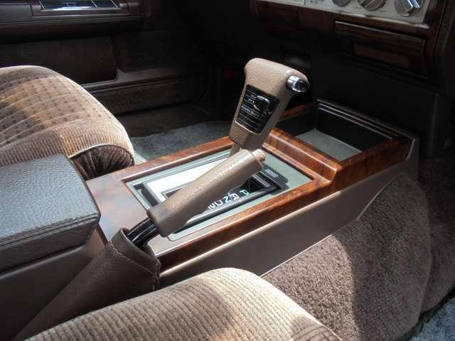 シフト周りも綺麗で入りも良く、20年近く前の車とは思えないほどです!!